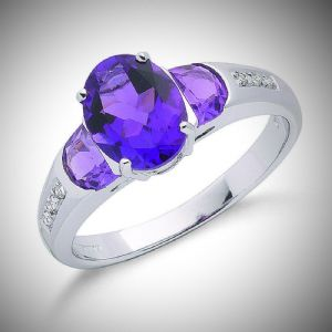 2.30ct Amethyst Ring with 0.04ct Diamonds set in 9ct White Gold